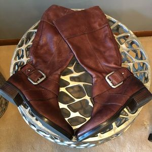 NWOT - Luxe Leather Fossil Boots.